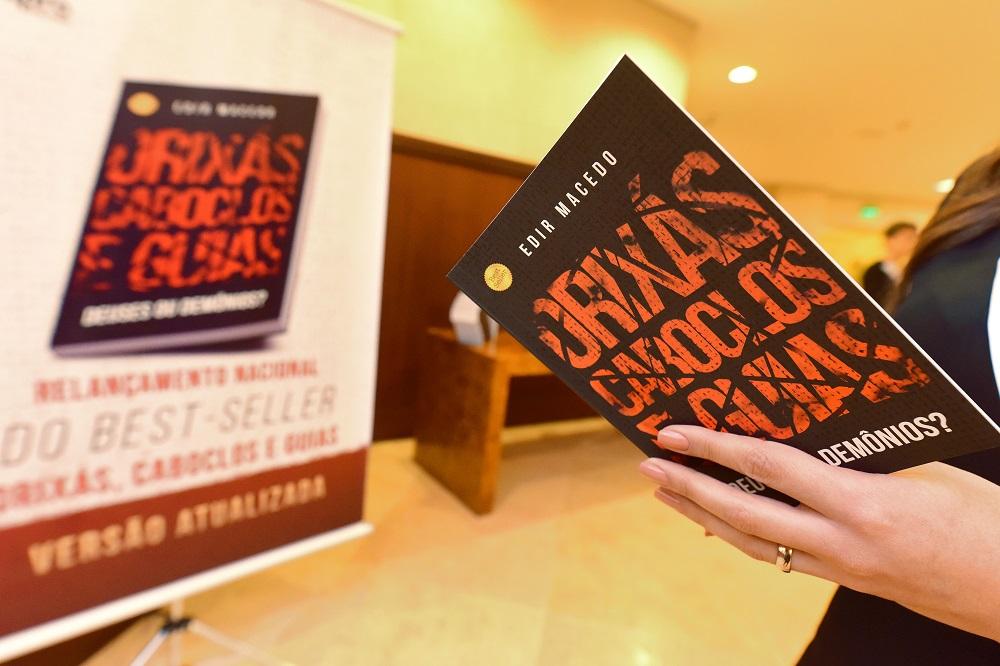 Relançamento de livro do Bispo Macedo atrai 980 mil pessoas em todo o Brasil