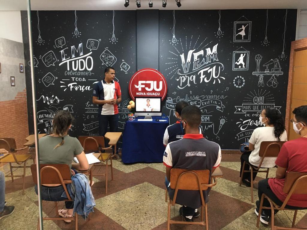 FJU Universitários oferece aulas gratuitas de preparação para o ENEM