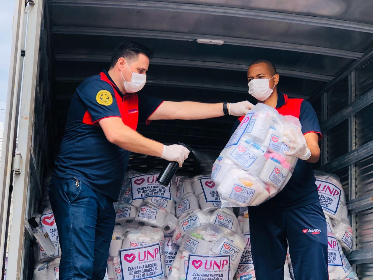 Coronavírus: Universal já distribuiu 2,7 mil toneladas de alimentos a famílias que perderam renda