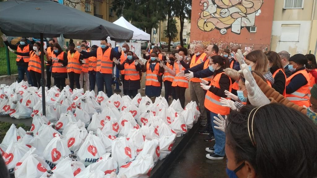 Ação beneficiou mais de 300 famílias em bairro periférico de Portugal
