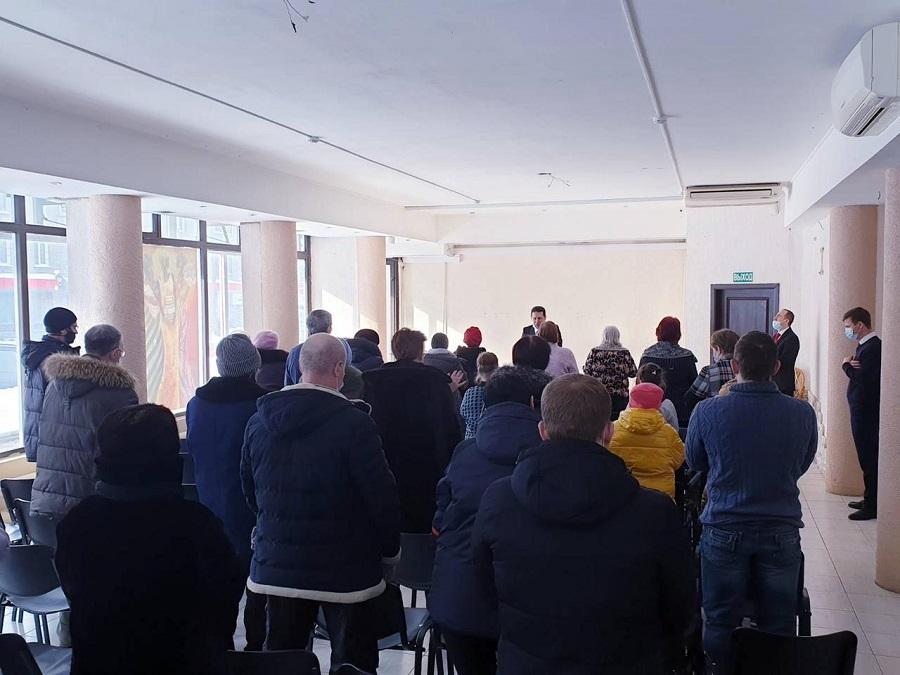 Primeiro encontro de fé da Universal na Sibéria leva vida e Salvação para as pessoas