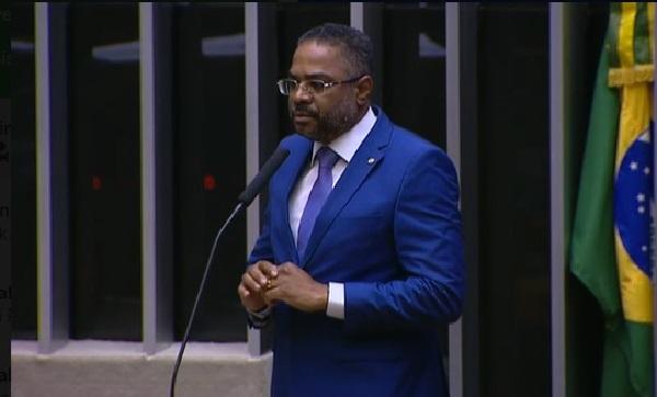 Deputado Márcio Marinho renuncia presidência do Grupo Parlamentar de Amizade Brasil-Angola