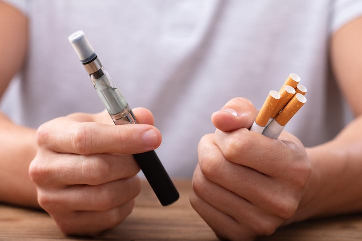 Cigarros eletrônicos e vaporizadores aumentam o vício em nicotina