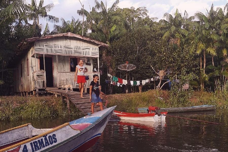 Ação de evangelização alcança famílias ribeirinhas no município de Acará, no Pará