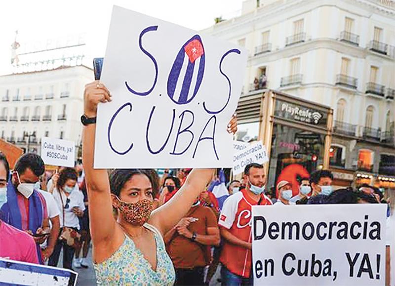 Povo cubano grita por liberdade nas ruas