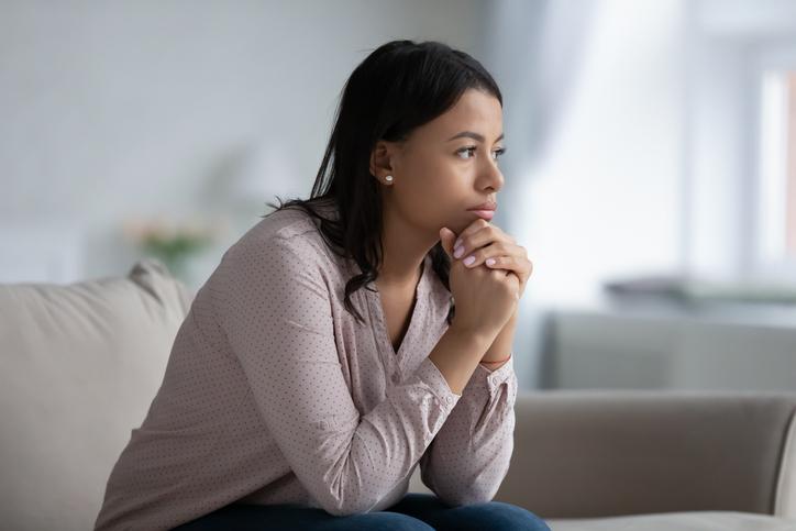 Aluna quer casar, mas aguarda o divórcio do companheiro