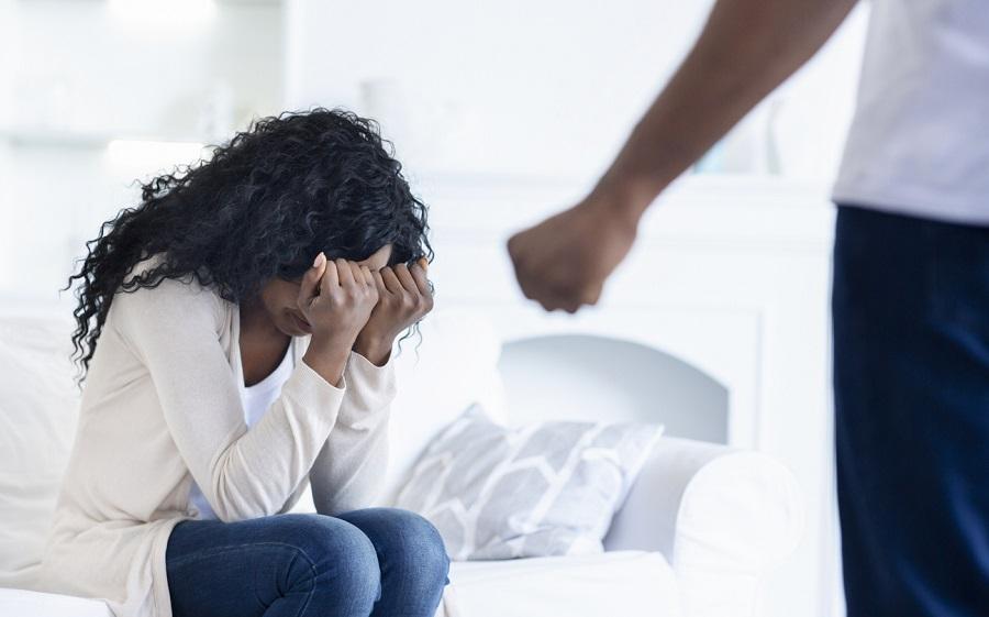 A cada minuto, um caso de violência doméstica contra a mulher é denunciado no País