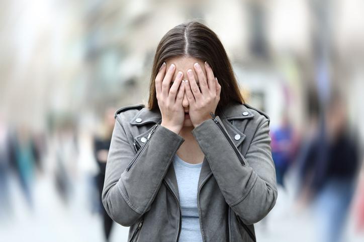 Pesquisa revela aumento de transtornos mentais entre mulheres progressistas