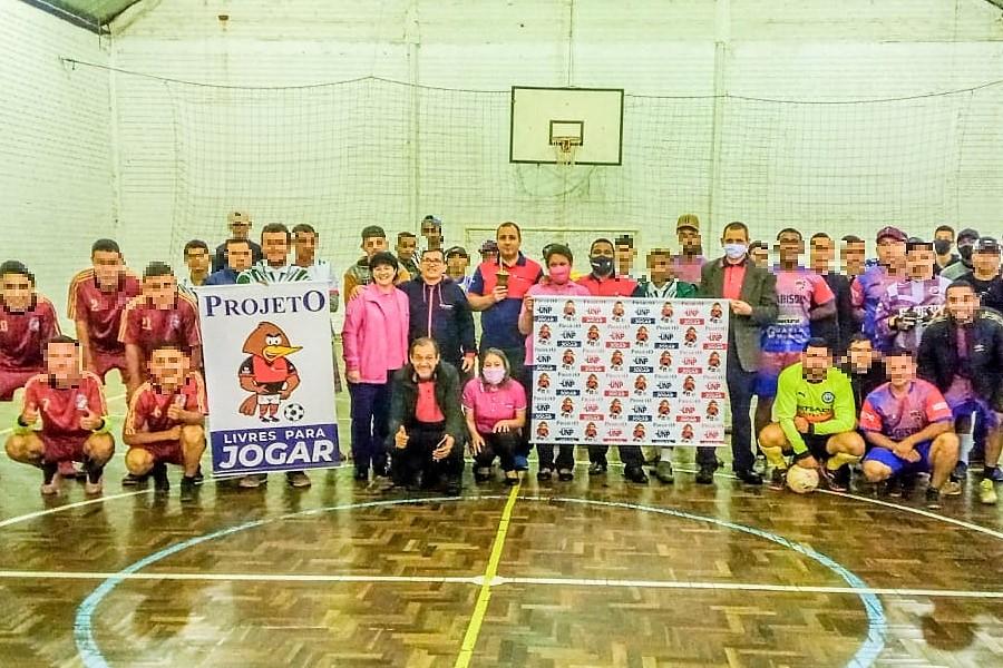 Projeto 'Livres para Jogar' leva oportunidade e esperança a familiares de detentos