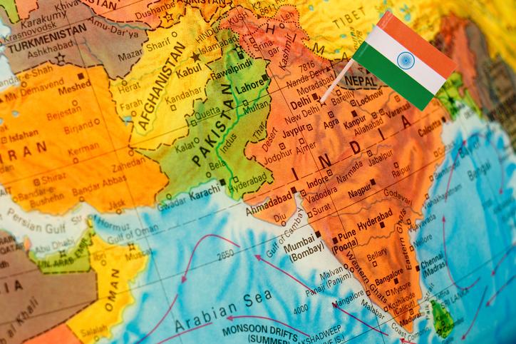 Na Índia, cerca de cem pessoas atacaram uma família cristã