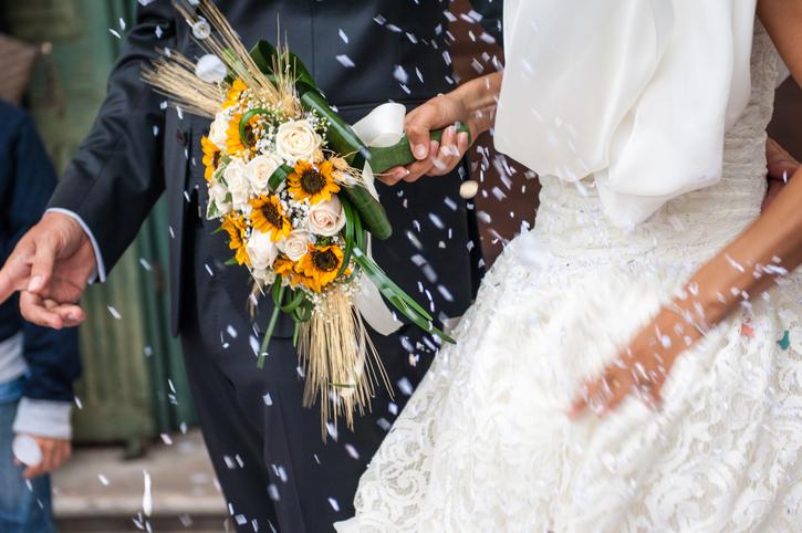 Convidado não foi ao casamento: você cobraria o que gastou reservando sua refeição no buffet?