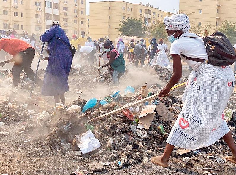Angolanos realizaram grande mutirão de limpeza em Cacuaco