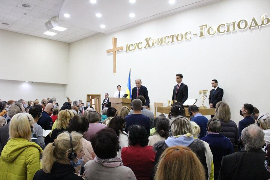 A Festa do Espírito Santo com o Bispo Edir Macedo, na Ucrânia