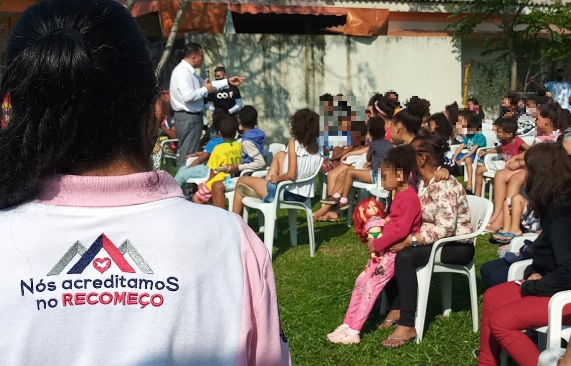 """Crianças e adolescentes participam do """"Dia do Órfão"""""""
