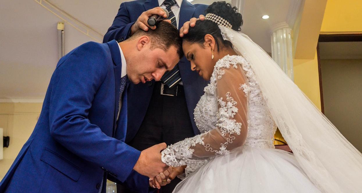 Casei na Universal: Pastor Tiago e Jéssica